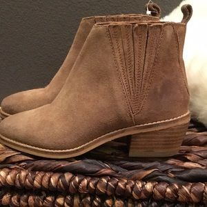 Splendid Shoes - New Splendid Cognac Cupid ankle booties